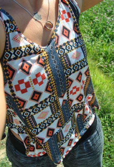 Mamamia Sommeroutfit. Shirt in bunter Optik gekauft bei H&M für 5 Euro